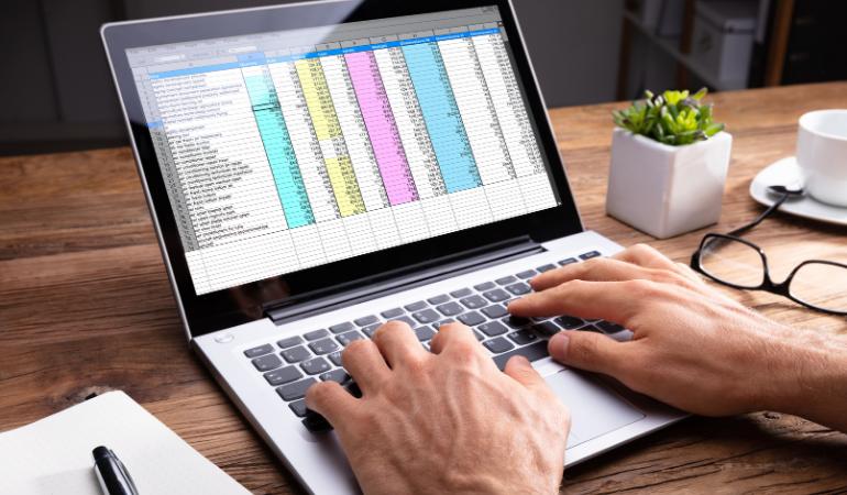 Aprenda a fazer uma planilha para orçamento doméstico.