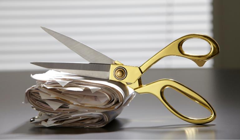 Veja como cortar despesas em casa.